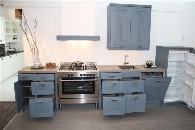 Rechte Keuken Showroom : keukens voor zeer lage keuken prijzen Houten rechte keuken (14
