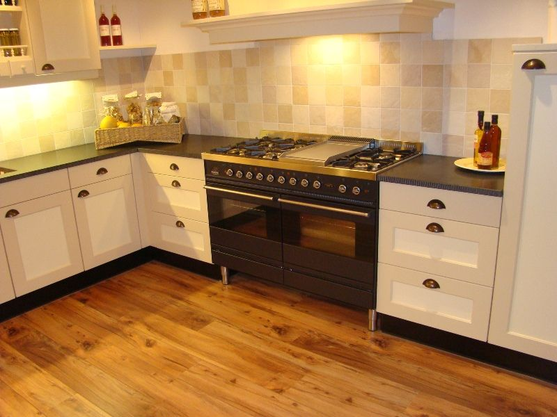 Landelijke Keuken Aanbieding : keukens voor zeer lage keuken prijzen ...