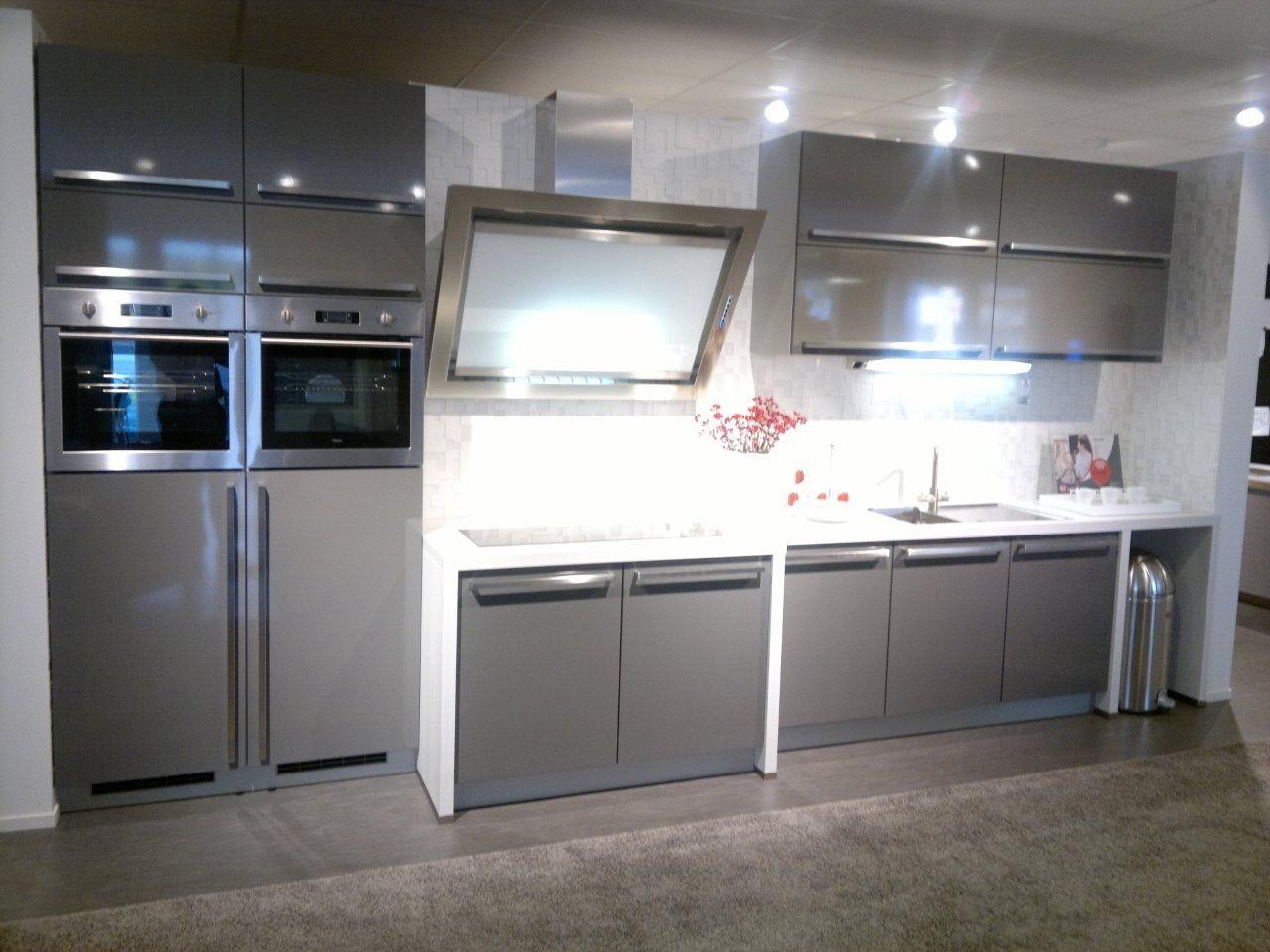 Moderne Keuken Keukenconcurrent : Showroomkeukens alle showroomkeuken aanbiedingen uit nederland