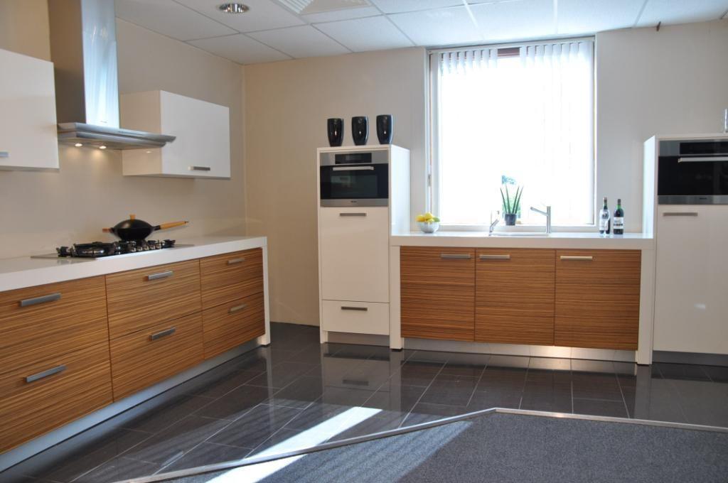 Picture idea 10 : Keukens voor zeer lage keuken prijzen keller rechte ...