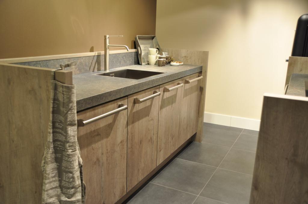 Plafondlamp Voor Keuken : keukens voor zeer lage keuken prijzen Keller Rustic Oak gezellige