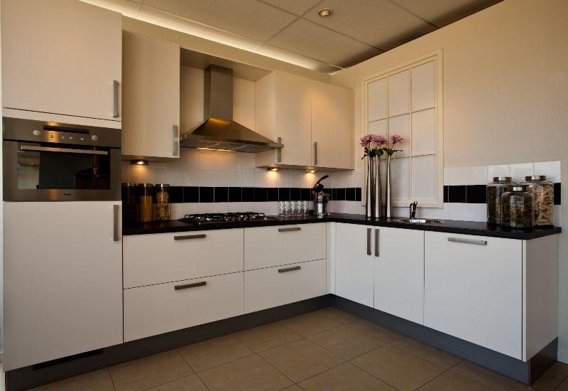 Design Keukens Showroommodellen : Design keuken showroom beste ideen over huis en interieur