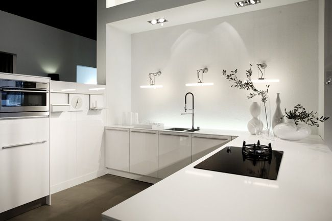 SieMatic keuken C30 hoogglans Lelie wit op MDF verwerkt 1,2 cm wit ...