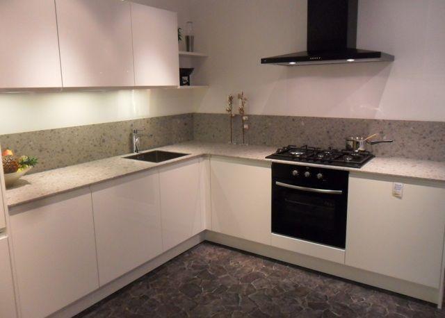Wellmann keukens het beste idee van inspirerende interieurfoto 39 s - Keukentafel corian ...