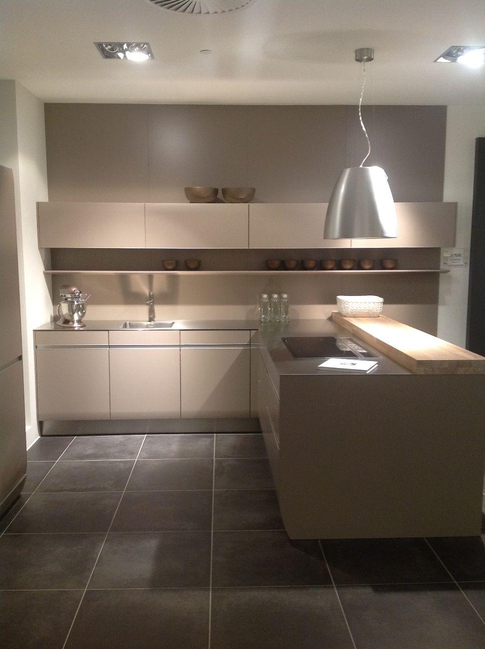 Showroomkeukens alle showroomkeuken aanbiedingen uit nederland keukens voor zeer lage keuken - Decoratie design keuken ...