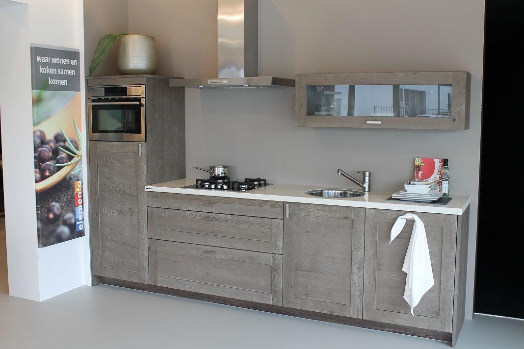 ... keuken prijzen  Massief houten eiken keuken met composiet blad [43105