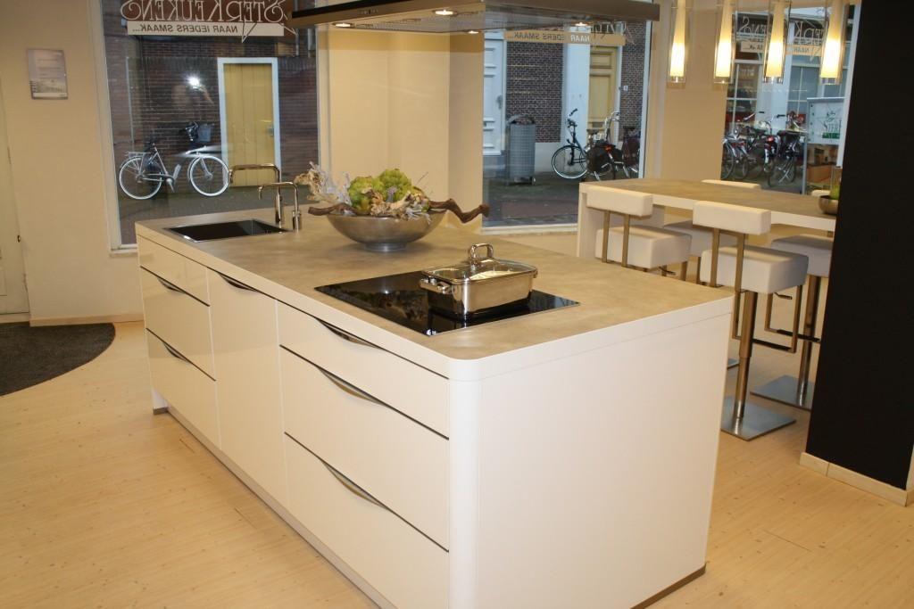 Kunststof Keuken Semi Greeploos Wit : ... keukens voor zeer lage ...