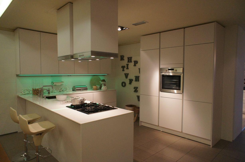 Nieuwe Design Keuken : Showroomkeukens alle showroomkeuken aanbiedingen uit nederland