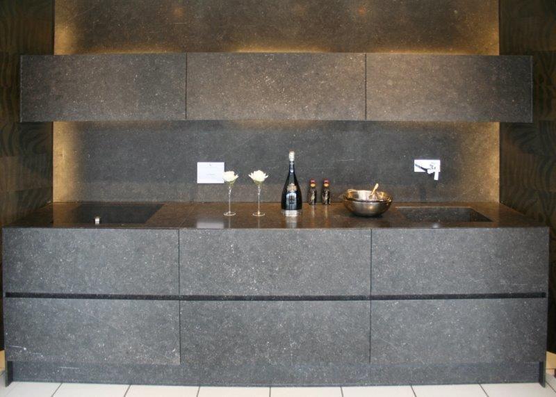 Keuken Natuursteen : zeer lage keuken prijzen Eggersmann keuken van natuursteen [49962