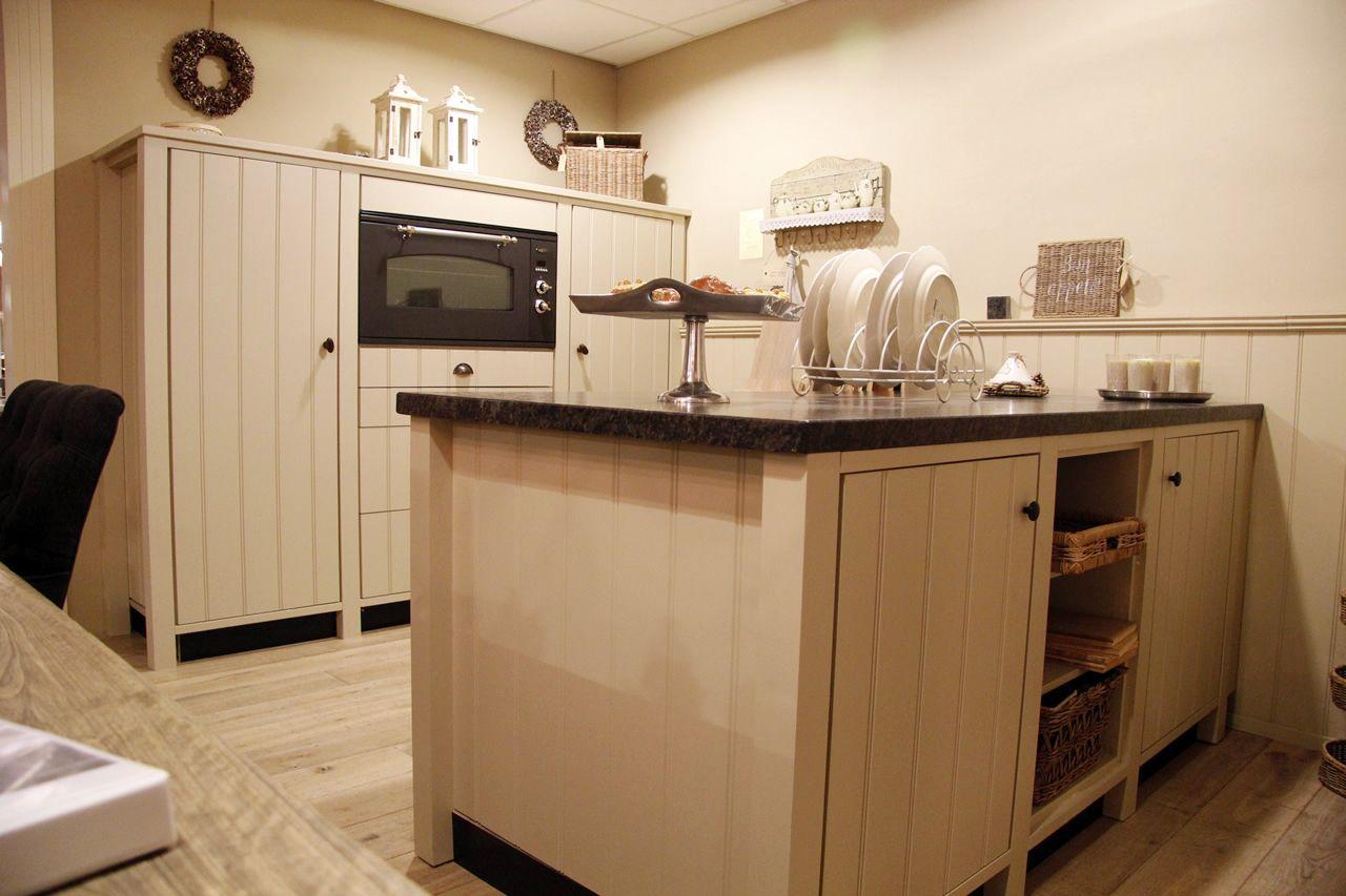 Keuken Fineer Laat Los : zeer lage keuken prijzen Landelijke keuken met kookeiland [50108