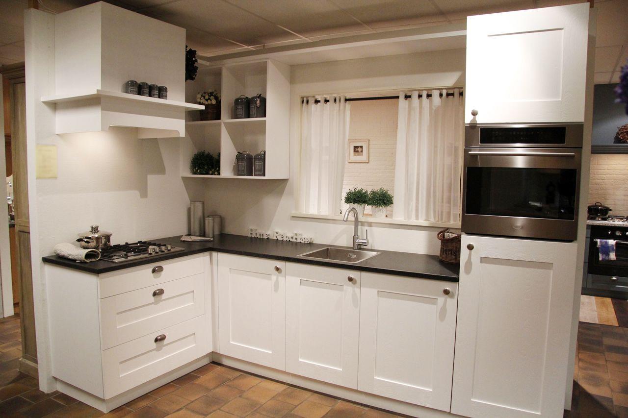 Hoek Keuken Modellen : Showroomkeukens alle showroomkeuken aanbiedingen uit nederland