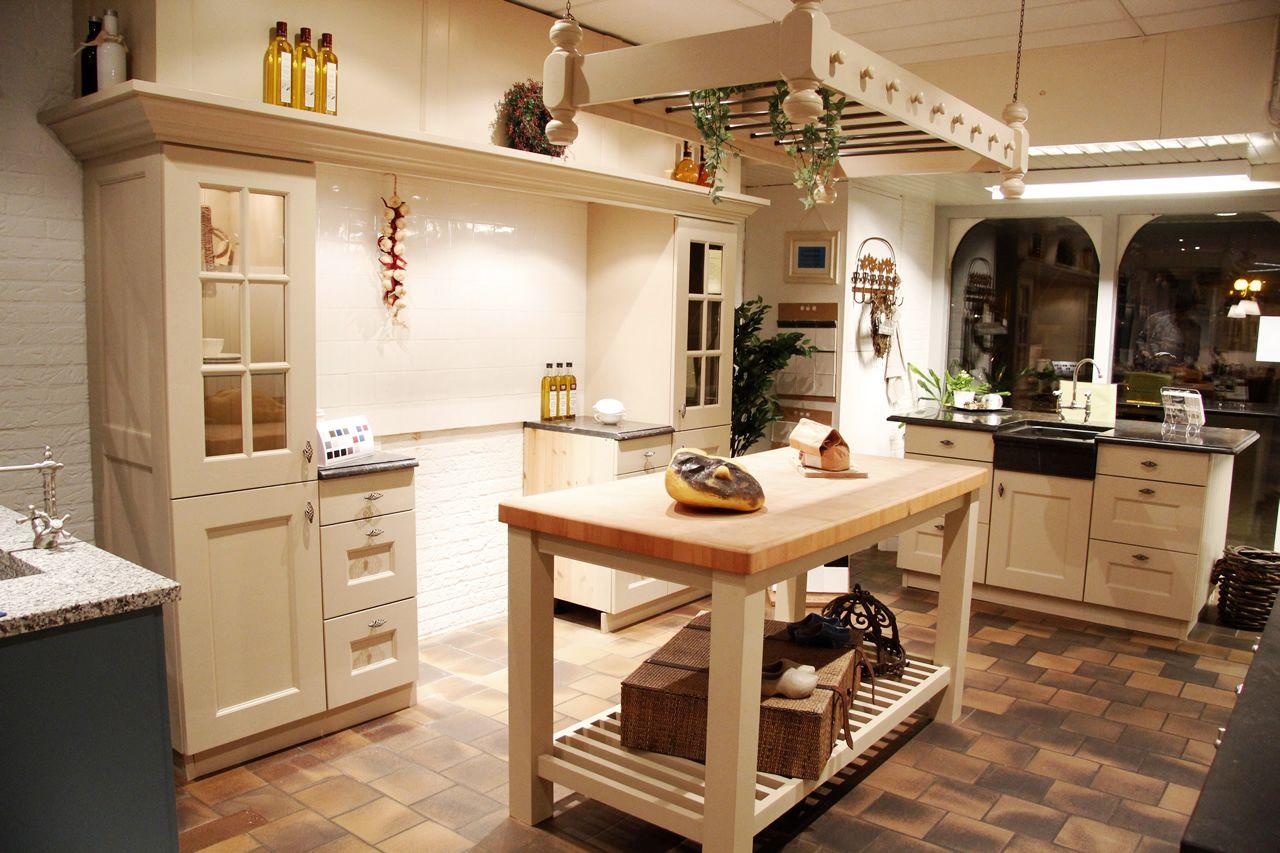 Keuken Landelijk Grijs : keukens voor zeer lage keuken prijzen Grijze landelijke keuken