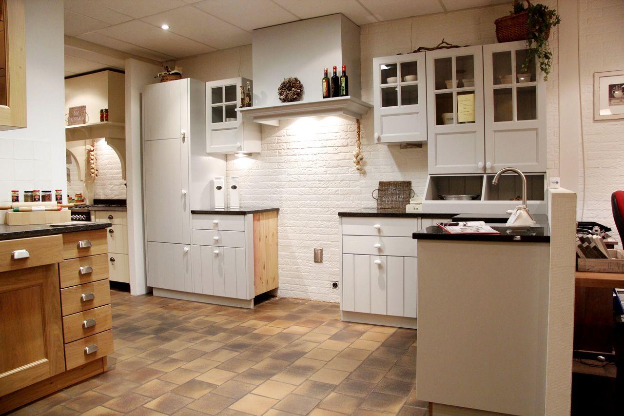Keuken Landelijk Grijze : Showroomkeukens alle showroomkeuken aanbiedingen uit nederland