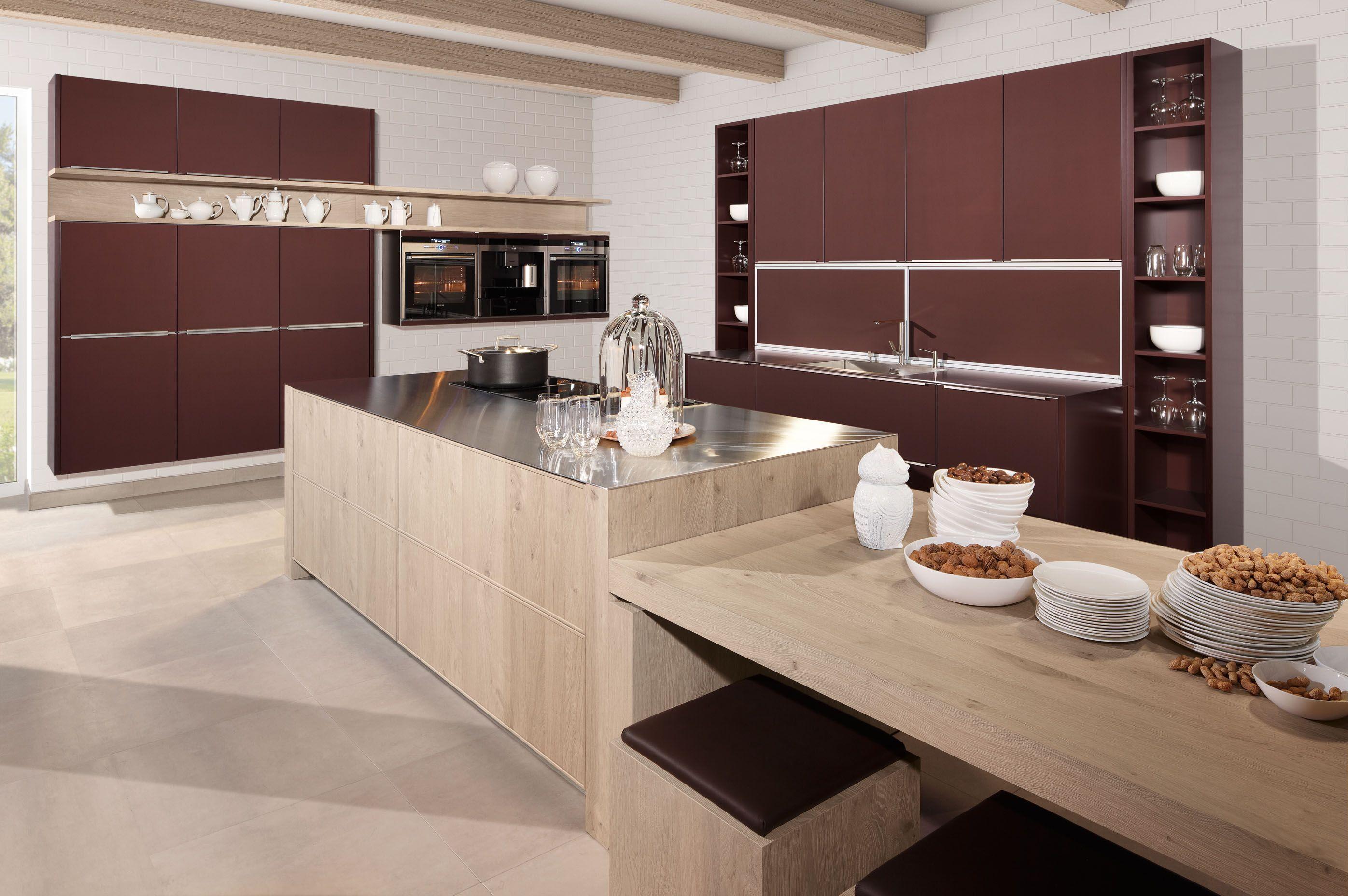 Moderne keukens met eiland en tafel: keuken tieleman exclusief ...