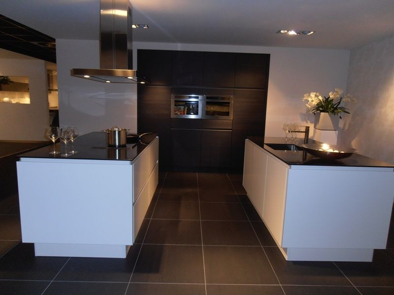 Showroomkeukens alle showroomkeuken aanbiedingen uit nederland keukens voor zeer lage keuken - Keuken wit hout werkblad ...