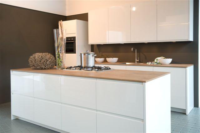 Hoogglans Witte Keuken : Hoogglans witte keuken by sensa keukens