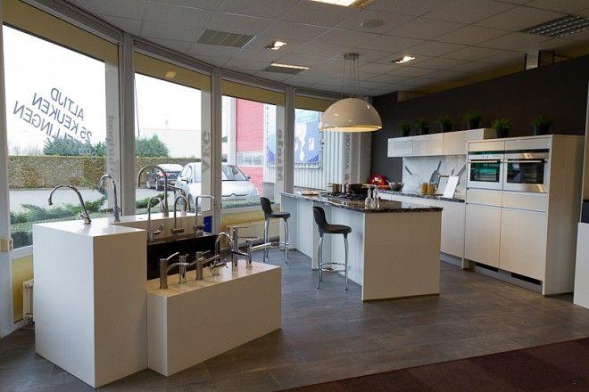 ... voor zeer lage keuken prijzen  Hoogglans Lak LUX In Wit [47999