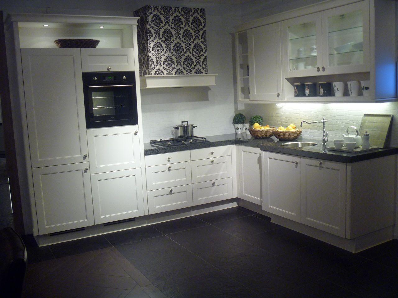 Landelijke Keuken Showroommodel : uit Nederland keukens voor zeer lage keuken prijzen Livorno [51033