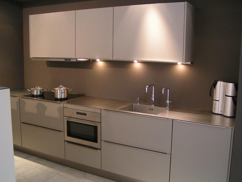 Showroomkeukens alle showroomkeuken aanbiedingen uit nederland keukens voor zeer lage keuken - Kleur verf moderne keuken ...