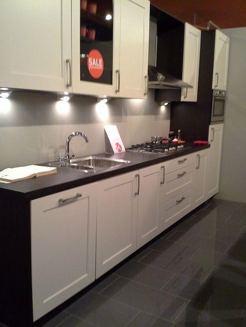 Showroomkeukens alle showroomkeuken aanbiedingen uit nederland keukens voor zeer lage keuken - Moderne luxe keuken ...