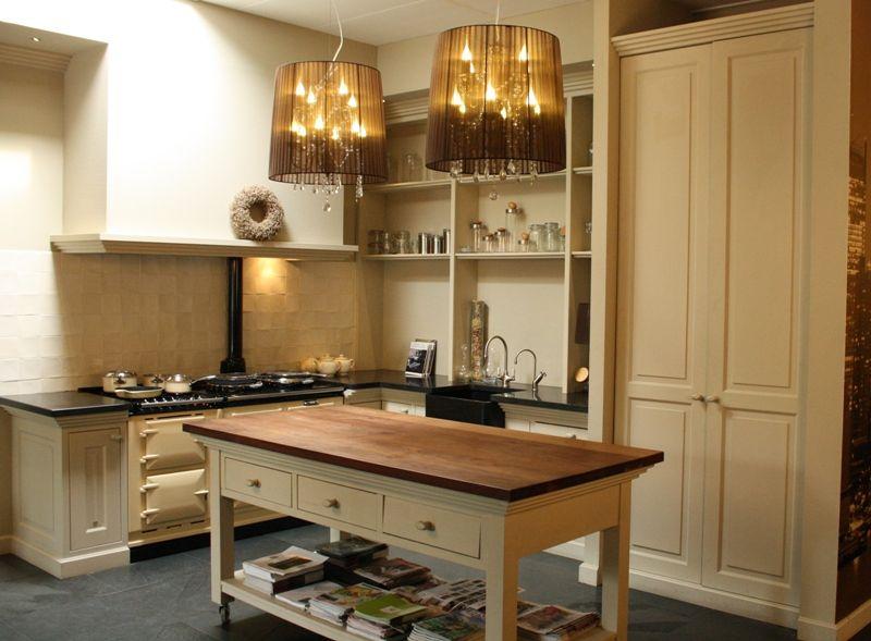 ... keukens voor zeer lage keuken prijzen  Handgemaakte geschilderde