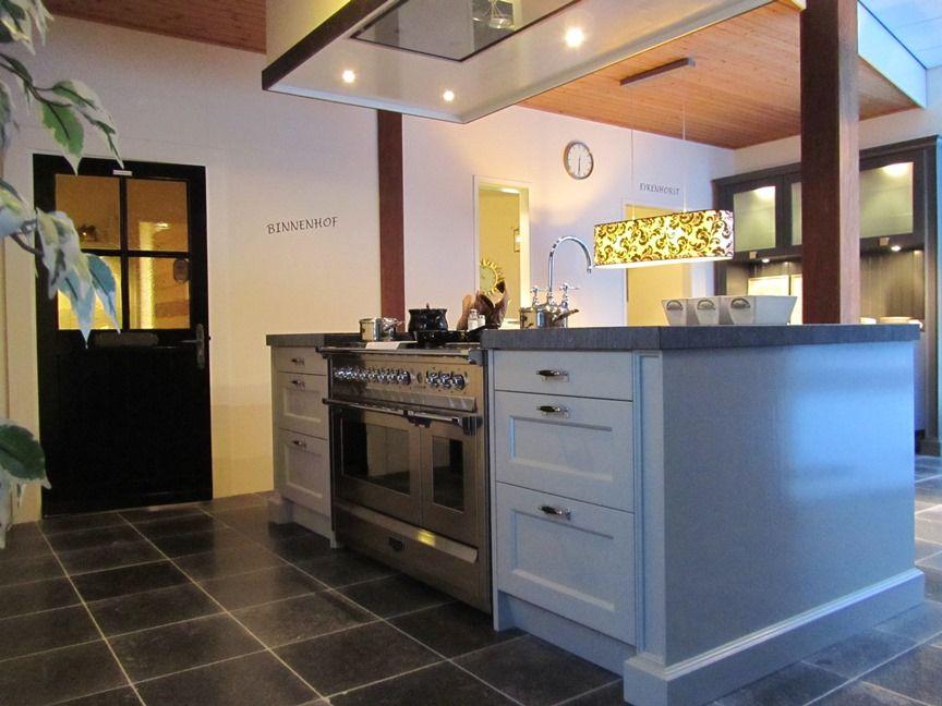 Beige Landelijk Keuken : Showroomkeukens alle showroomkeuken aanbiedingen uit nederland