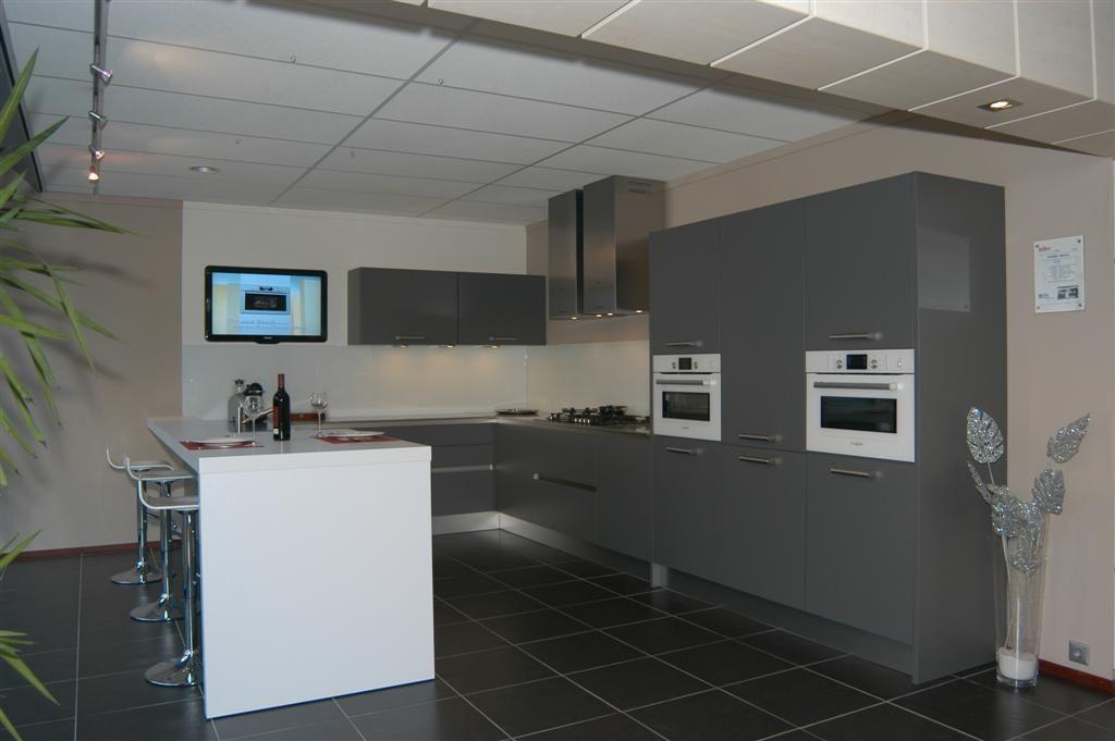 Keukens Ikea Grijs : Showroomkeukens Alle Showroomkeuken aanbiedingen uit