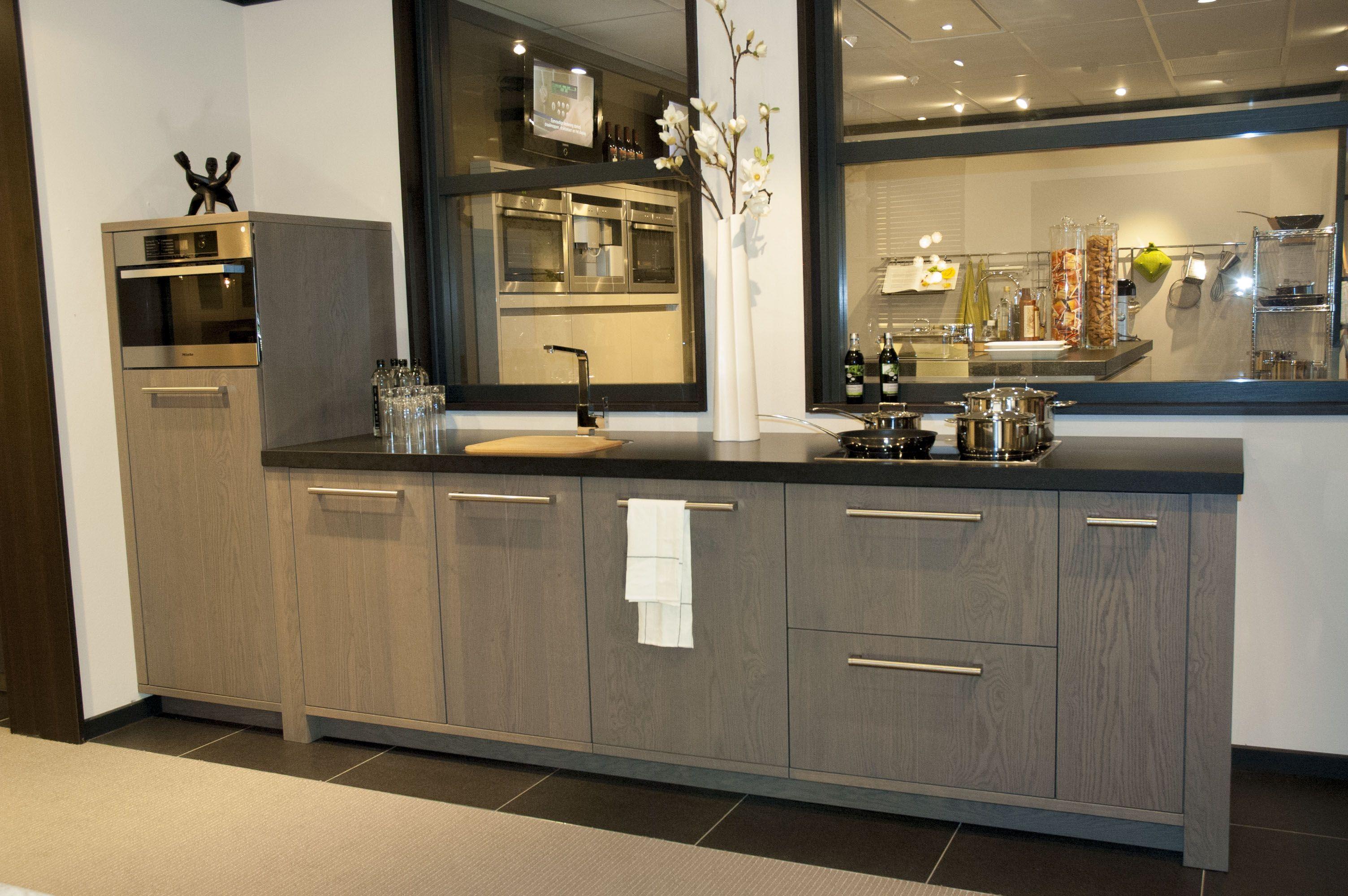 Stoere Keuken Grey : Showroomkeukens alle showroomkeuken aanbiedingen uit nederland