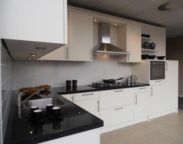 Showroomkeukens alle showroomkeuken aanbiedingen uit nederland keukens voor zeer lage keuken - Prijs graniet werkblad ...
