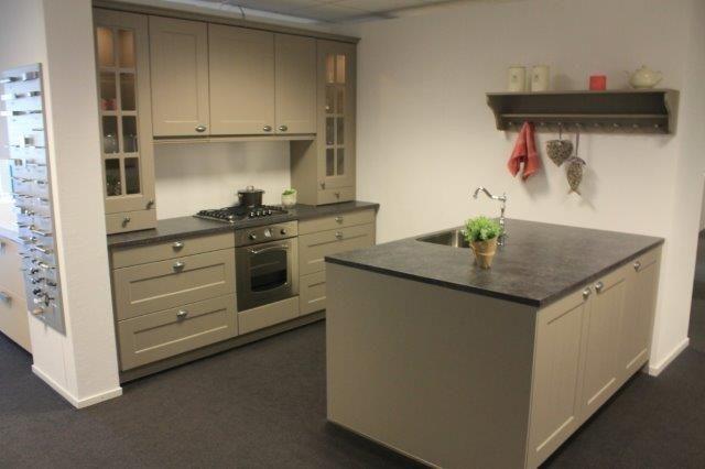 Keuken Kleur Grijs : keukens voor zeer lage keuken prijzen Ursus steen grijs [52587