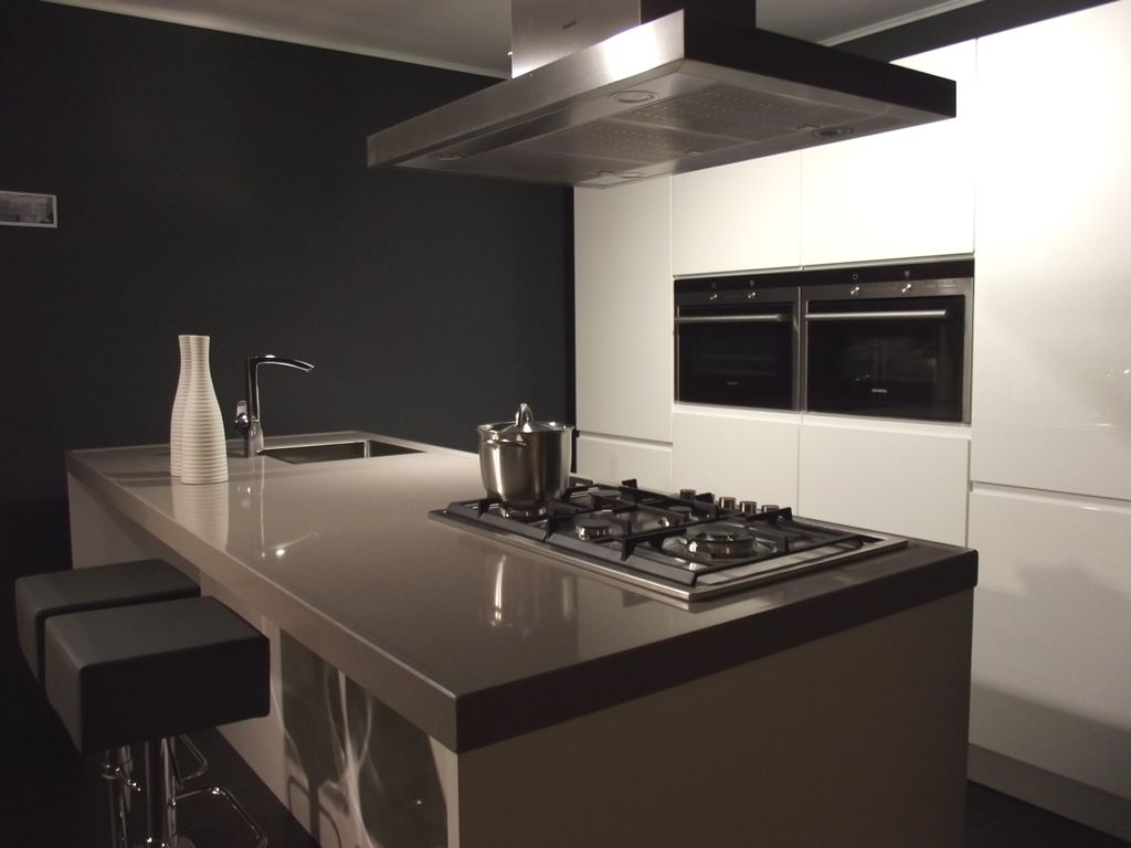 Design Cube Keuken : Showroomkeukens alle showroomkeuken aanbiedingen uit nederland