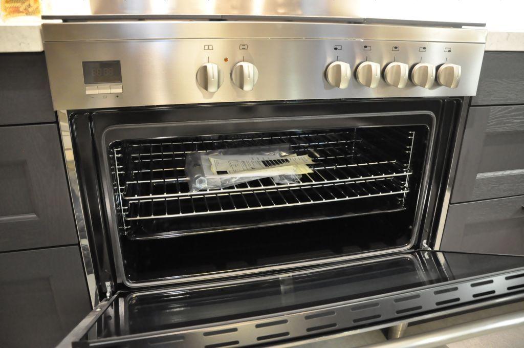 Losse Voorraadkast Keuken : keukens voor zeer lage keuken prijzen Alno massief eiken hoekkeuken