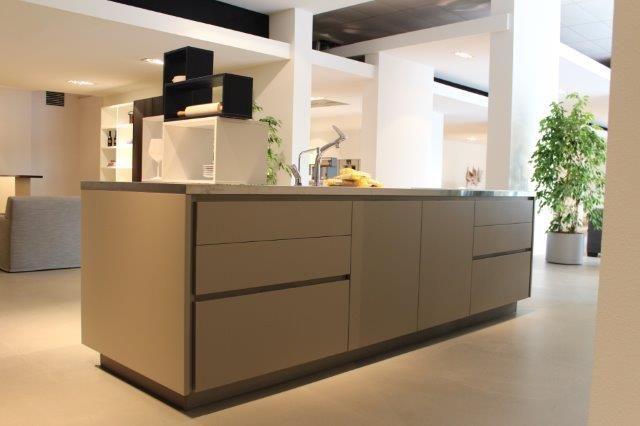 ... keukens voor zeer lage keuken prijzen  Varenna,italiaans design