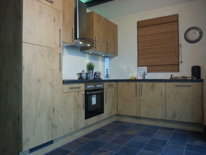 Keuken Voor Weinig : Showroomkeukens alle showroomkeuken aanbiedingen uit nederland
