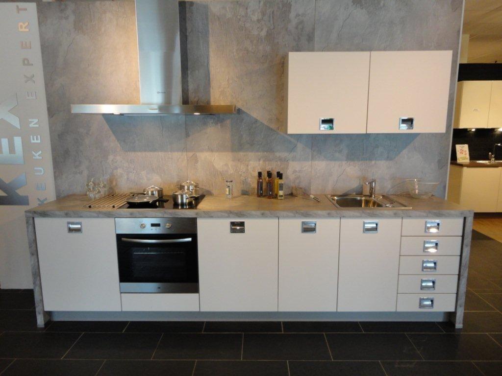 Showroomkeukens alle showroomkeuken aanbiedingen uit nederland keukens voor zeer lage keuken - Keuken oud land ...