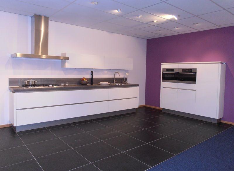 Keuken Hoogglans Wit Greeploos : lage keuken prijzen Greeploze keuken in wit hoogglans lak [50621