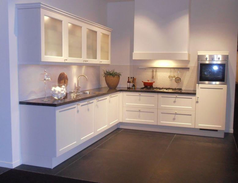 Keuken Kleur Magnolia : lage keuken prijzen Landelijke keuken in de kleur magnolia [46100