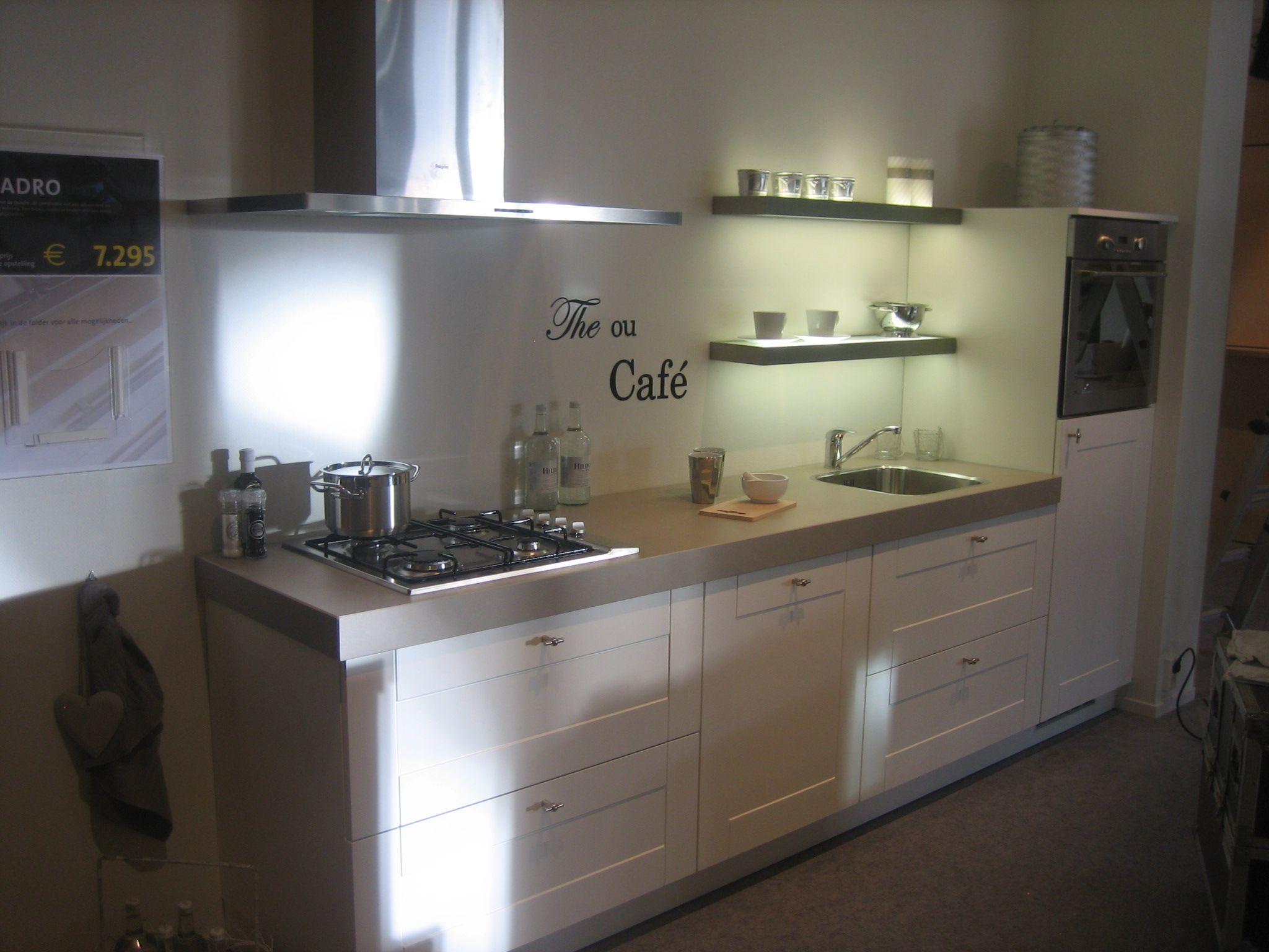 ... zeer lage keuken prijzen : Bruynzeel showroomkeukens Quadro [53569