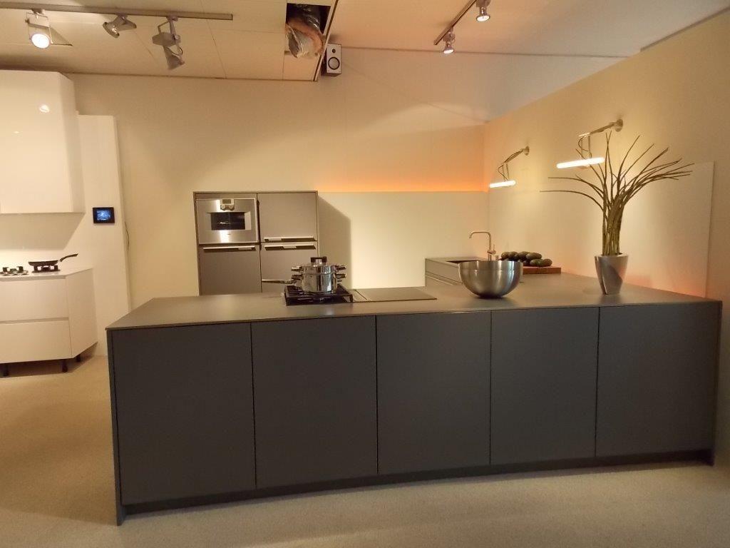 Keuken Zwart Mat : keukens voor zeer lage keuken prijzen SieMatic Design keuken met