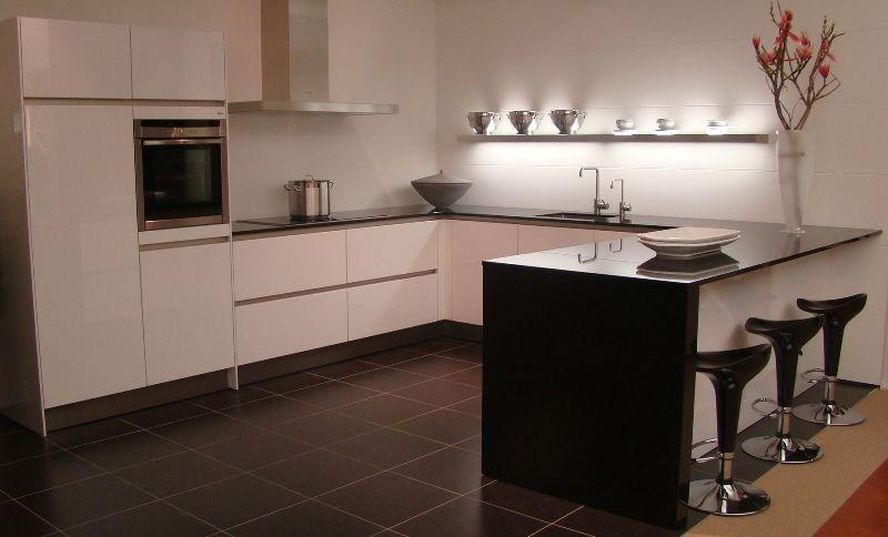 Keuken Met Eiland Afmetingen : keukens voor zeer lage keuken prijzen Luxe SieMatic keuken in
