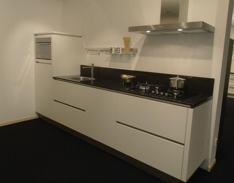 Keuken Greeploos Mat Wit : keukens voor zeer lage keuken prijzen Rechte greeploze witte keuken