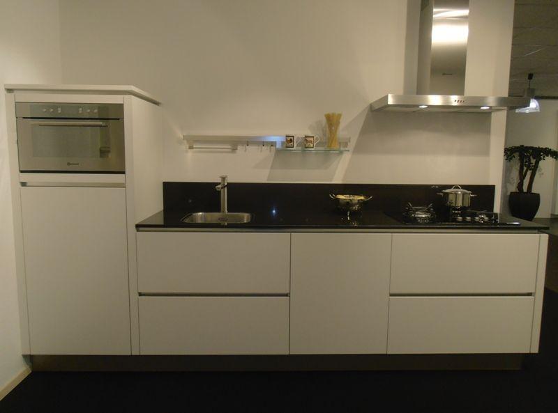 Showroomkeukens   Alle Showroomkeuken aanbiedingen uit Nederland keukens voor zeer lage keuken