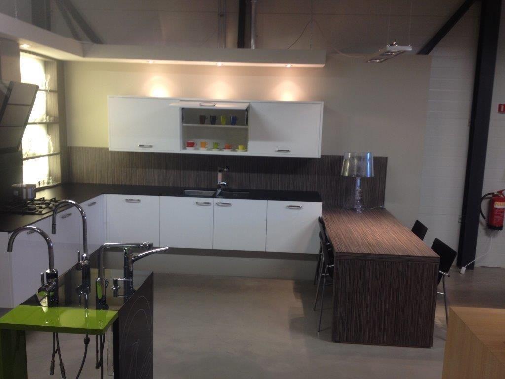 Keuken Met Zithoekje : Mooie keuken. finest ikea keuken laten ontwerpen in mooi fotous van
