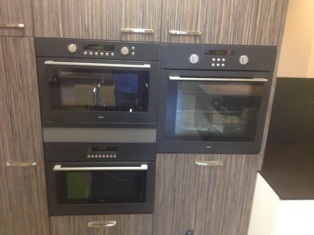 Keuken Met Zithoekje : Hotel de naaldhoffoto kamer zithoek tv en keuken hotel de