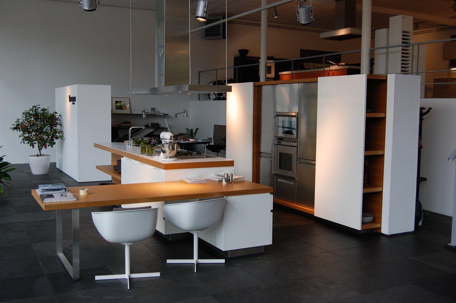 Showroomkeukens alle showroomkeuken aanbiedingen uit nederland keukens voor zeer lage keuken - Keuken witte tafel ...