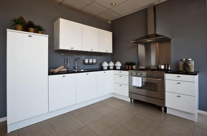 Witte keuken met bruin werkblad seniorennet de startpagina voor senioren nieuwe plussers - Hout en witte keuken ...
