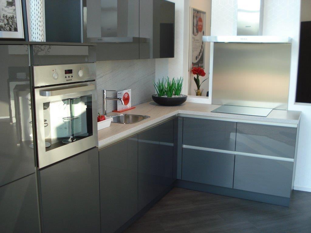 ... keukens voor zeer lage keuken prijzen  Greeploze Hoekkeuken [53036