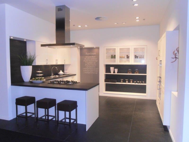 Modern Landelijke Keuken : Showroomkeukens alle showroomkeuken aanbiedingen uit nederland