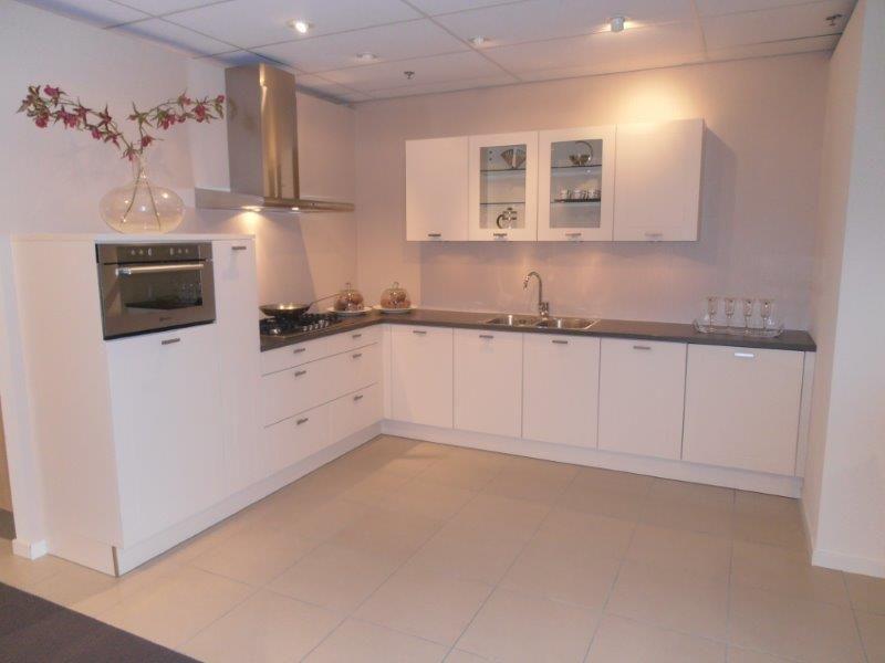 Keuken Kleur Magnolia : lage keuken prijzen Landelijke keuken in de kleur magnolia [50496