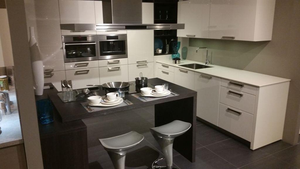Moderne Rechte Keuken Houtkleur : ... keukens voor zeer lage keuken ...